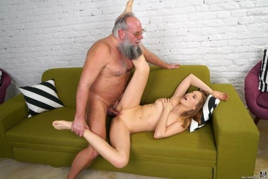 GrandpasFuckTeens, 21Sextreme: Kiki Cyrus - Kiki's Fun With A Horny Old Man (SD/544p/364 MB) 11.04.2017