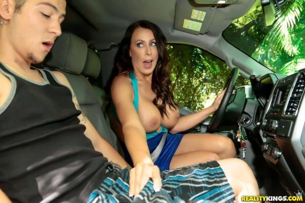 Reagan Foxx - Hunter Hunted [MilfHunter.com / RealityKings.com] 432p