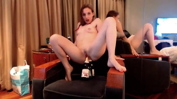 Double bottle fuck (FullHD 1080p)