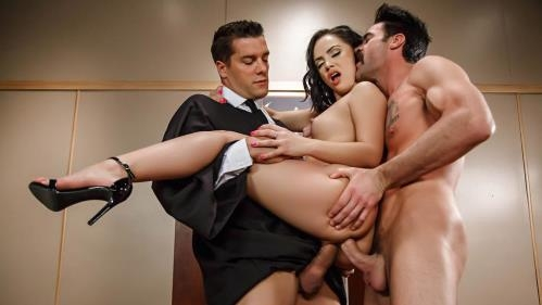 BigButtsLikeItBig.com / Brazzers.com [Kristina Rose - Judge, Jury, And Double Penetrator] SD, 480p