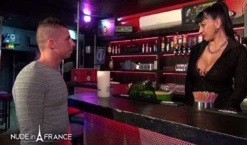 Titaina - A huge boobed mature cougar barmaid hiring young people by getting banged and facialized (10.04.2017/NudeInFrance.com/HD/720p)