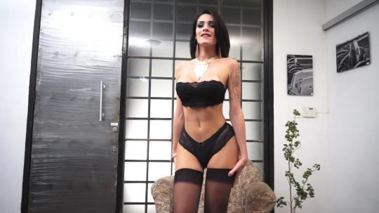 ShemaleStrokers: Grazi Cinturinha - Brazilian Trans Hottie Wants To Get Naked And Naughty (FullHD/1080p/1.01 GB) 18.04.2017