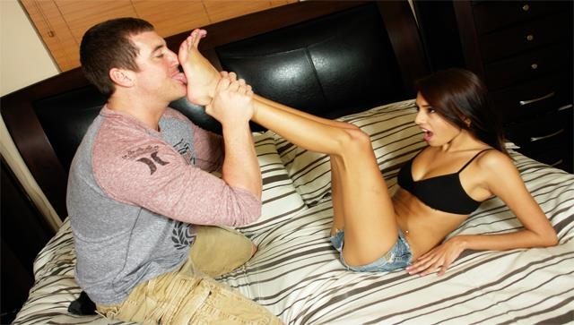 Janice Griffith - 18 Year Old, Jenice Amazing Legs And Feet (iworshipfeet) FullHD 1080p
