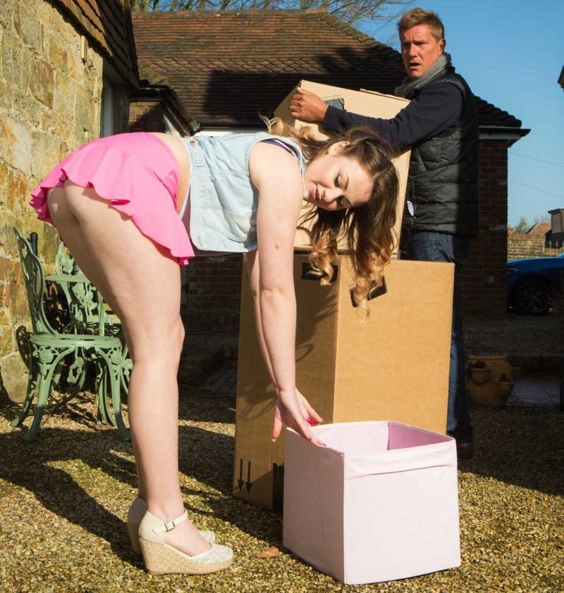 TeensLikeItBig/Brazzers: Star Del Ray, Jordi El Nino Polla - Whats In The Box?  [HD 720p] (798 MiB)