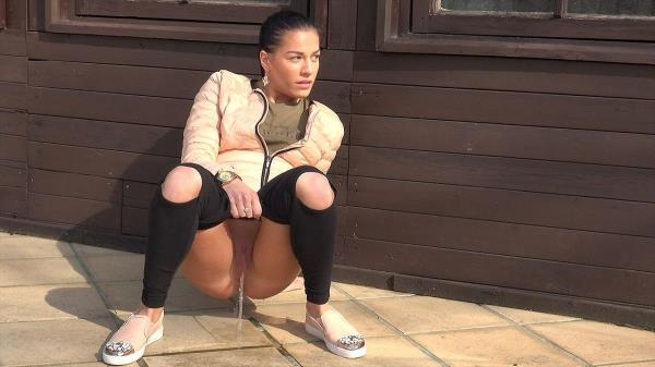 Open knee leggings - G2P (FullHD, 1080p)