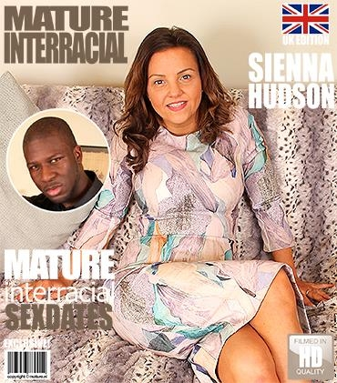 Mature.nl, Mature.eu: Sienna Hudson (EU) (36) - British MILF goes interracial (FullHD/1080p/1.85 GB) 25.04.2017