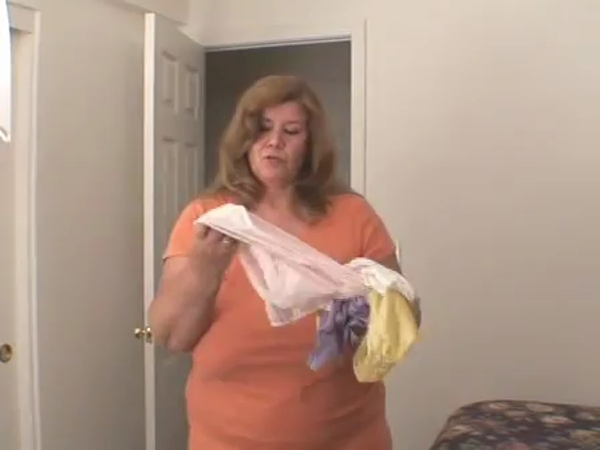 Curvy Sharon - Sniff Mommies Dirty Panties [SD/336p/11.2 MB]
