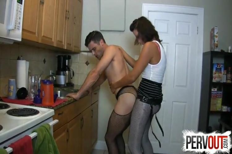 Helena Price - Sissy fucked in the kitchen [Pervout / SD]