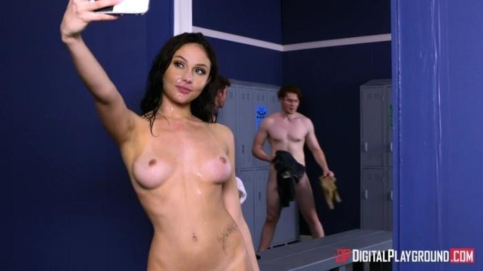Ariana Marie - Nerds, Episode 1 [SD/480p/395 MB]