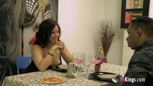 FaKings.com [Alba Colegiala, Jesus Reyes - Un cubano con un POLLON seduce a una tierna teen de 18 anitos en...] HD, 720p