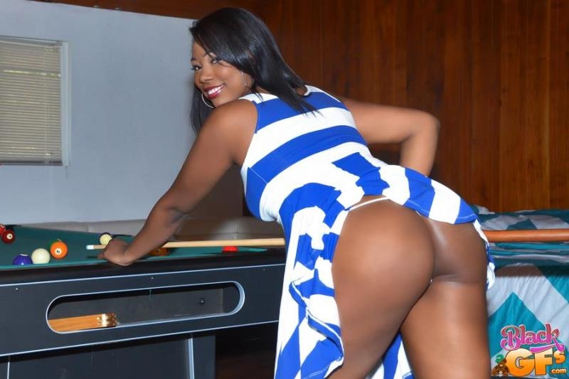 BlackGFs.com / GFLeaks.com: Ashanti Miller - Billiards And Boobs [SD] (402 MB)