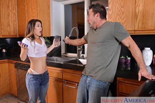 MyFriendsHotGirl.com / NaughtyAmerica.com [Eva Lovia] SD, 360p