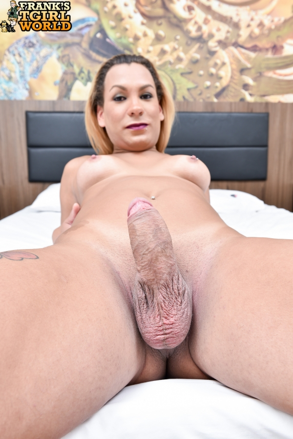 Franks-Tgirlworld.com - Gabi Drumond - New Latina Stunner, Gabi! [HD 720p]