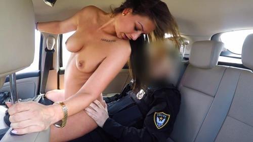 Olivia Netta - Cops Cum Makes Her Late (04.04.2017/FakeCop.com / FakeHub.com/SD/480p)