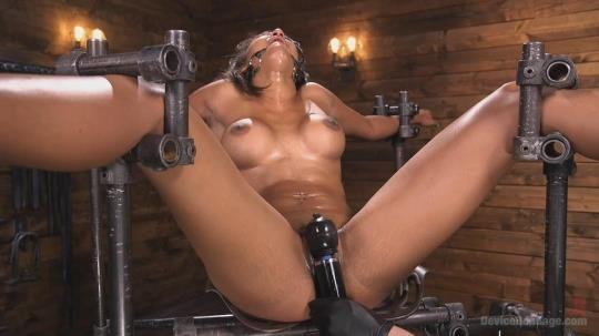 DeviceBondage, Kink: Sadie Santana - Fresh Meat - Sadie Santana (HD/720p/1.47 GB) 24.04.2017