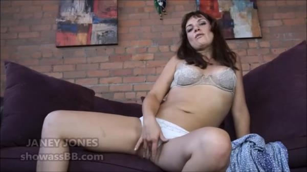 Janey Jones - Mommys Wet Spot (HD 720p)