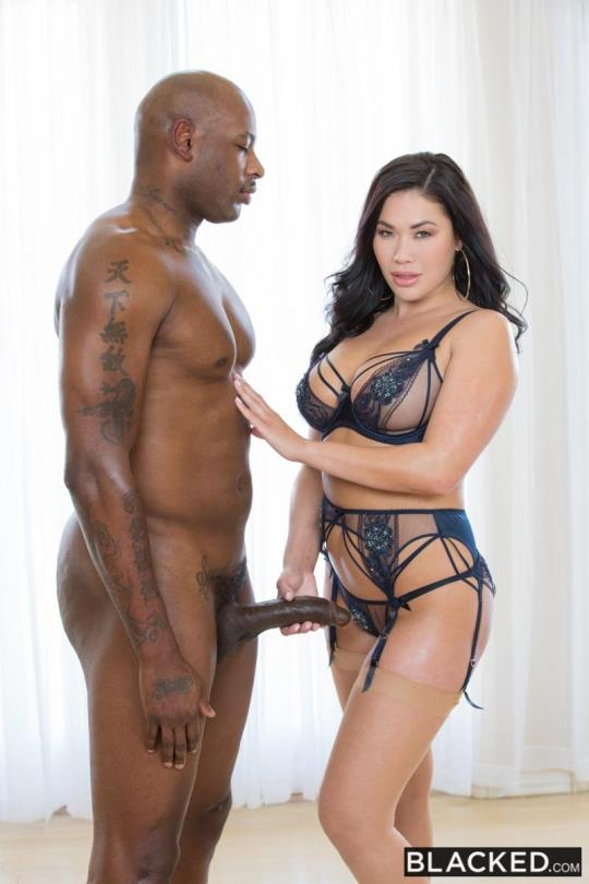 Blacked: London Keyes - Open Position (SD/480p/273 MB) 25.04.2017