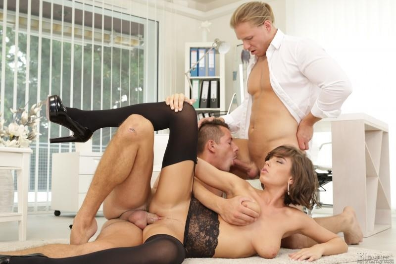 (Bisexual / MP4) Anabelle, Nick Gill, Mark Black - Birthday Surprise! Bi Empire - HD 720p
