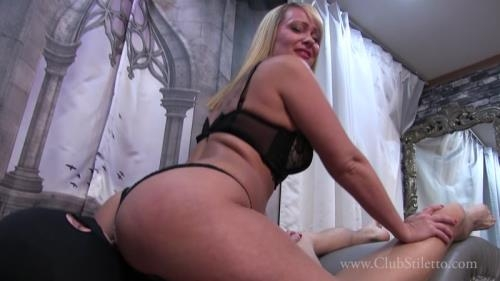 Clubstiletto.com [Mistress Kandy - I Promised You Some Big Juicy Farts] FullHD, 1080p
