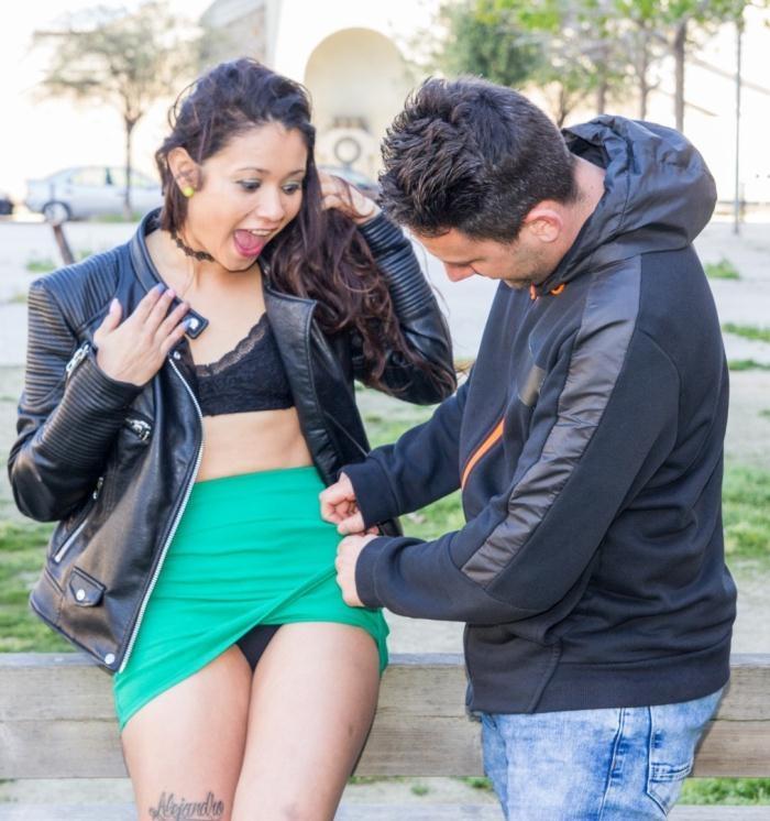Jade Presley - Spanish teen pornstar Jade Presley picks up amateur dude and gets facial [HD 720p] - LasFolladoras/PornDoePremium