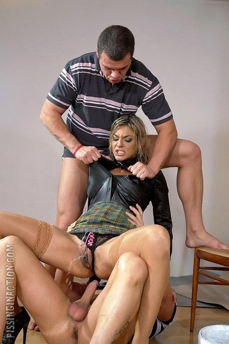 Klarisa - No Piss, No Gain [Tainster, PissinginAction, FullyClothedPissing / HD]