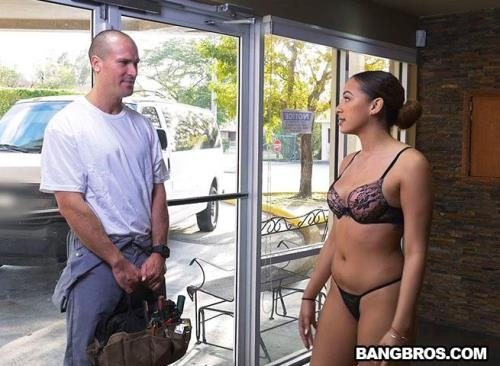 BangBros18.com / BangBros.com [Mariah Banks Fucks The A/C Repair Man] SD, 480p