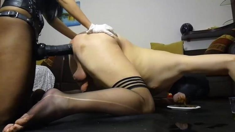Bizarre action with Silicone Godess [Scat / FullHD]