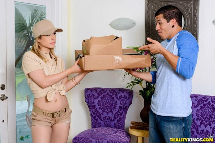 RealityKings.com - Goldie Ortiz - Package For Goldie [SD 432p]