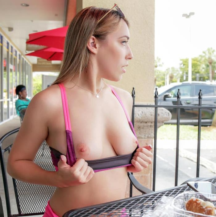 PublicPickUps/Mofos - Kimber Lee - Post-Workout Treat for Gym Babe [HD 720p]