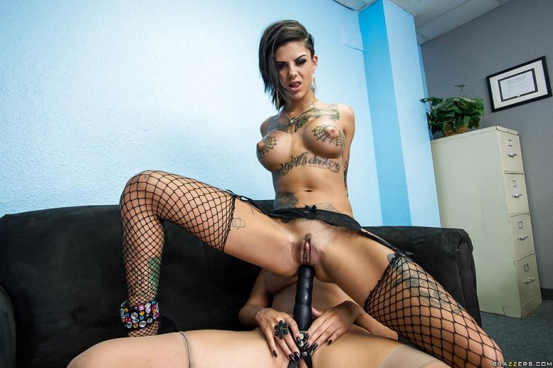 HotAndMean/Brazzers: Bonnie Rotten, Missy Martinez - The Best Buds In School [SD 480] (321 MB)