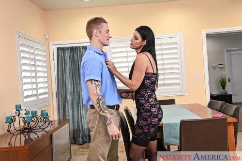 India Summer (13.05.2017/MyFriendsHotMom.com / NaughtyAmerica.com/SD/360p)