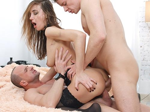 Hazel Dew - Double-team party with Hazel Dew [YoungSexParties.com] [SD] [391 MB]