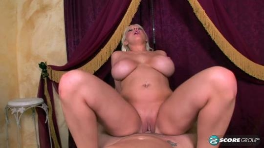PornMegaLoad: Candy Manson Artists Get All The Pussy (SD/400p/163 MB) 24.05.2017