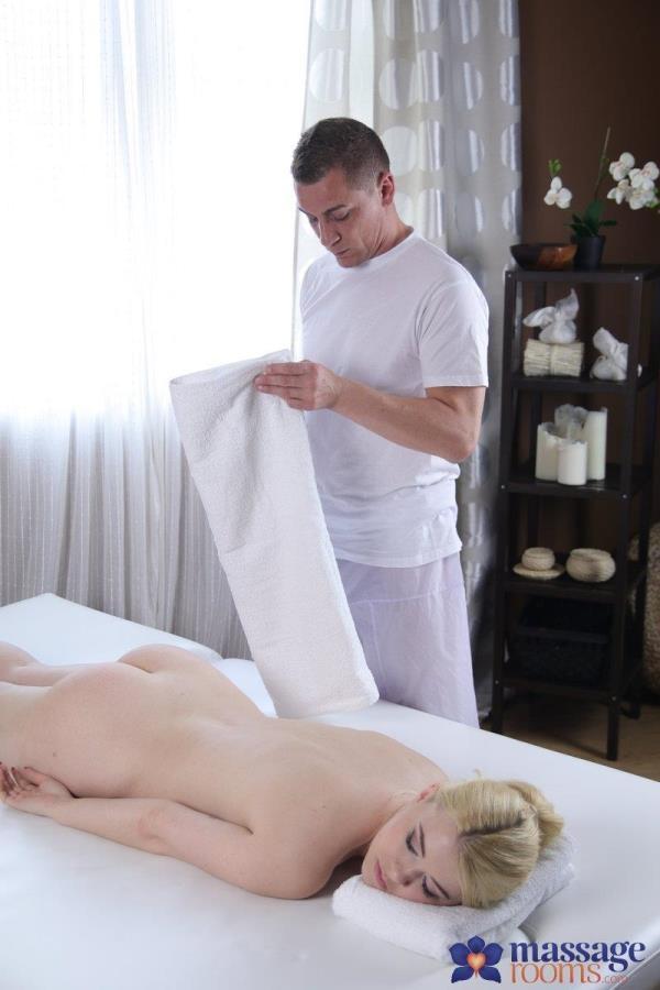 Misha Cross - Pale Skin Beauty's Sensual Orgasms - MassageRooms.com / SexyHub.com (SD, 480p)