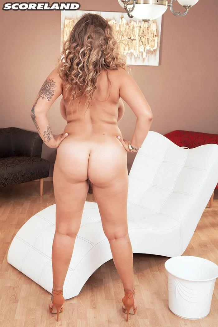 ScoreHD.com / PornMegaLoad.com / Scoreland.com - Daria - Breastfully Clean [FullHD, 1080p]