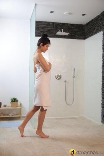 Lady Dee - Sensual shower sex for sweet lovers (06.05.2017/DaneJones.com / SexyHub.com/SD/480p)