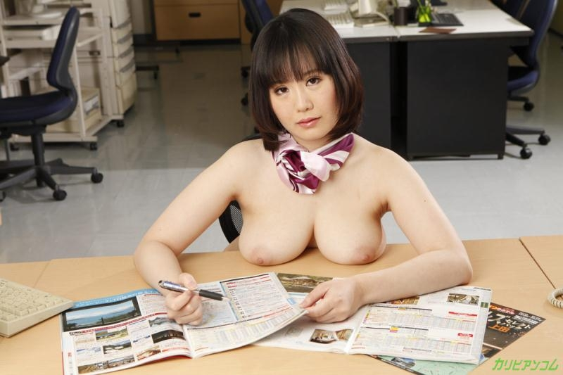Caribbeancom: Shizuku Futaba - Sex with the Secretary [SD 360p] (239 MB)