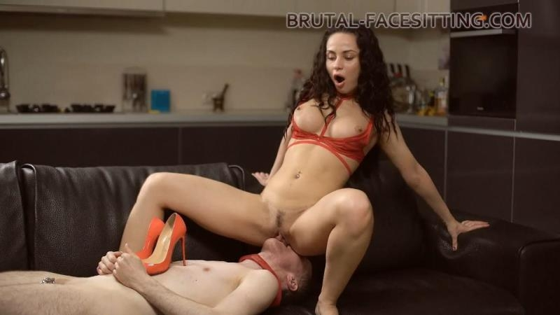 Brutal-Facesitting.com: Kristall Rush - I married a monster [HD] (526 MB)