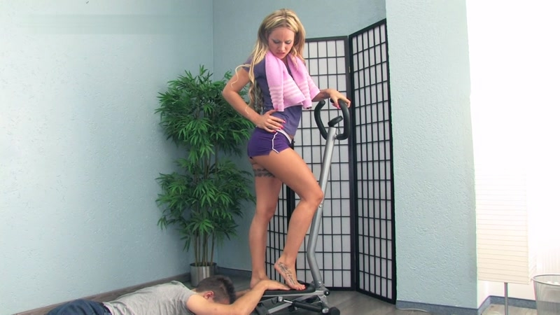 (Fetish / MP4) He Is A Part Of Lady Sue's Workout Training Lady-sue.com / Clips4sale.com - FullHD 1080p