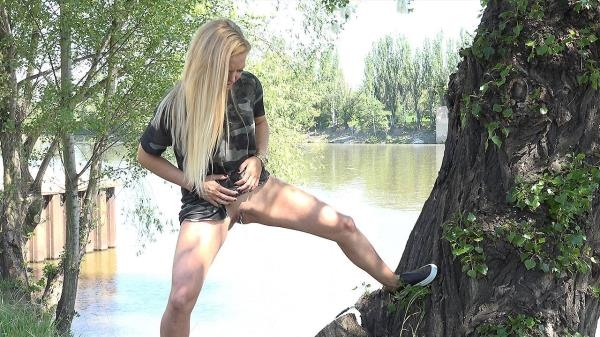 On a tree - G2P (FullHD, 1080p)