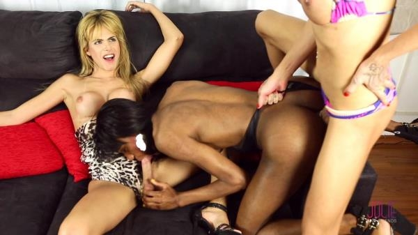 Gabriela Ferrari, Luiza Alcantara, Barbara Perez - At the end of a long day [FullHD 1080p]