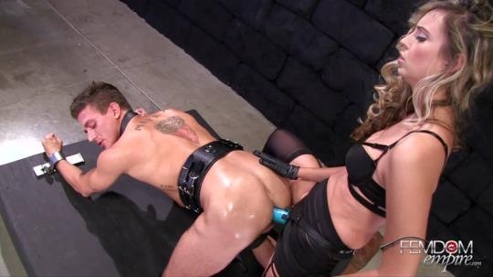 FemdomEmpire: Allie Eve Knox Impaled by Cock (FullHD/1080p/634 MB) 01.06.2017