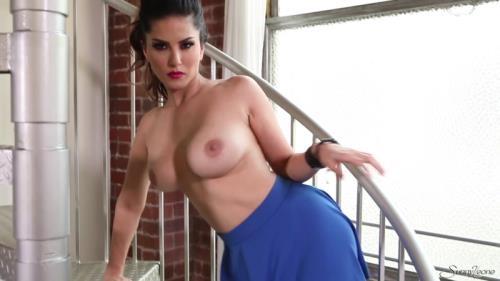 SunnyLeone.com [Sunny Leone - Sunnys Sexy Blue Skirt] FullHD, 1080p