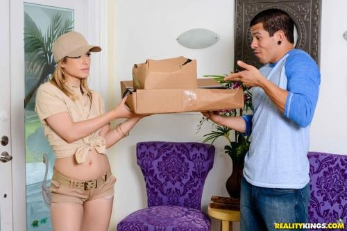 8thStreetLatinas.com / RealityKings.com [Goldie Ortiz - Package For Goldie] SD, 432p