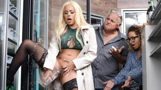 PornstarsLikeItBig, Brazzers: Luna Star - How Convenient! (SD/480p/298 MB) 09.05.2017