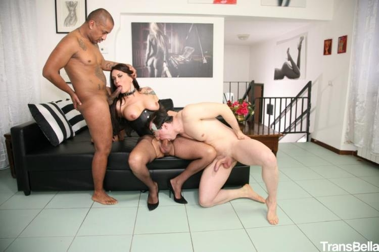 Erika Lavigne - Sexy Latina tranny Erika Lavigne fucks two guys in wild Italian threesome [TransBella / HD]