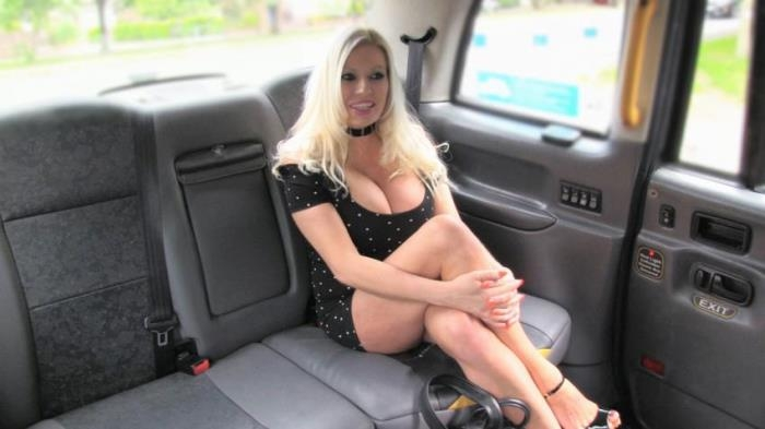 Michelle Thorne - Big Tits Blonde in Sexy High Heels  [FullHD 1080p]