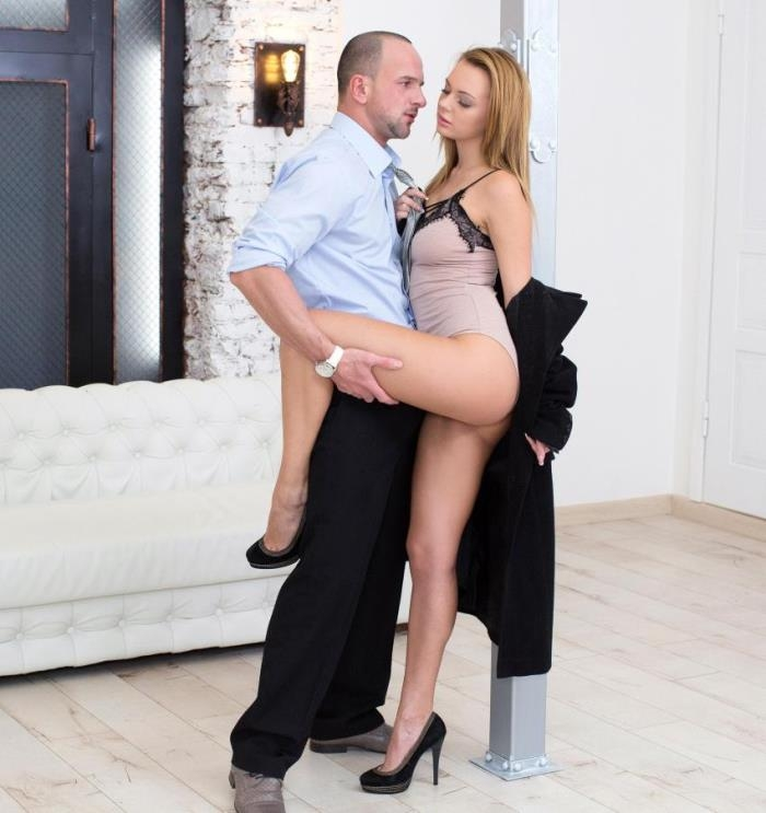 EuroTeenErotica/DDFNetwork: Emily Thorne - Sexy Seduction: Horny Teen Gets Fucked Like a Pro  [HD 720]