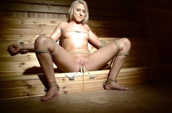 Viktoria Diamond - The sauna of shame! Part 2 (FullHD 1080p)