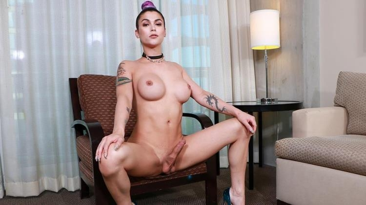 The Exceptionally Beautiful Domino Presley [shemale.xxx / FullHD]